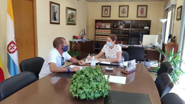 ULEA Y RURALMUR FIRMAN UN ACUERDO PARA PROMOCIONAR LA ARTESANÍA Y TURISMO DEL MUNICIPIO